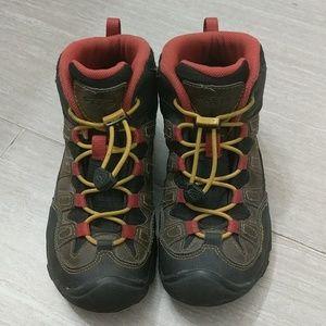 Kids Keen Pagosa hiking boots waterproof